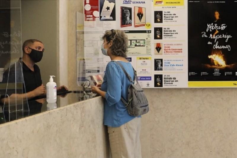 Covid-19: Duas semanas de exibição de cinema somam 4.600 espectadores em Portugal - ICA