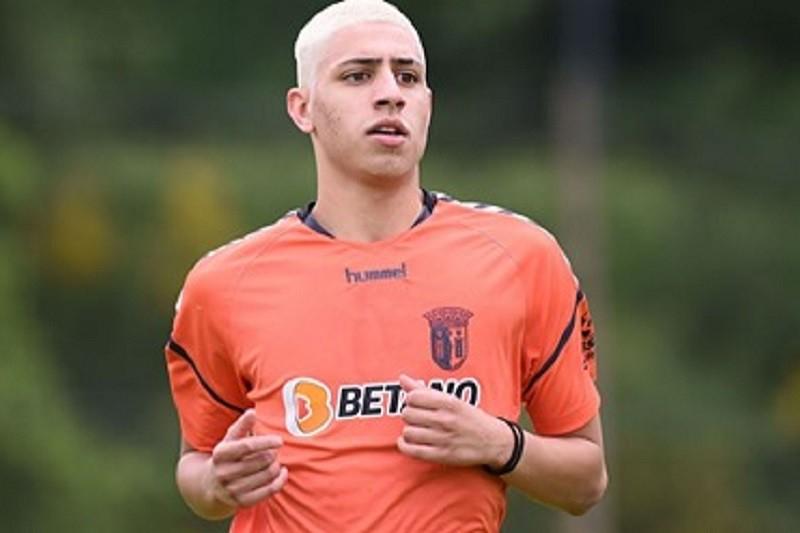 Custódio Castro chama jovem de 17 anos Yan Said no Sporting Clube de Braga