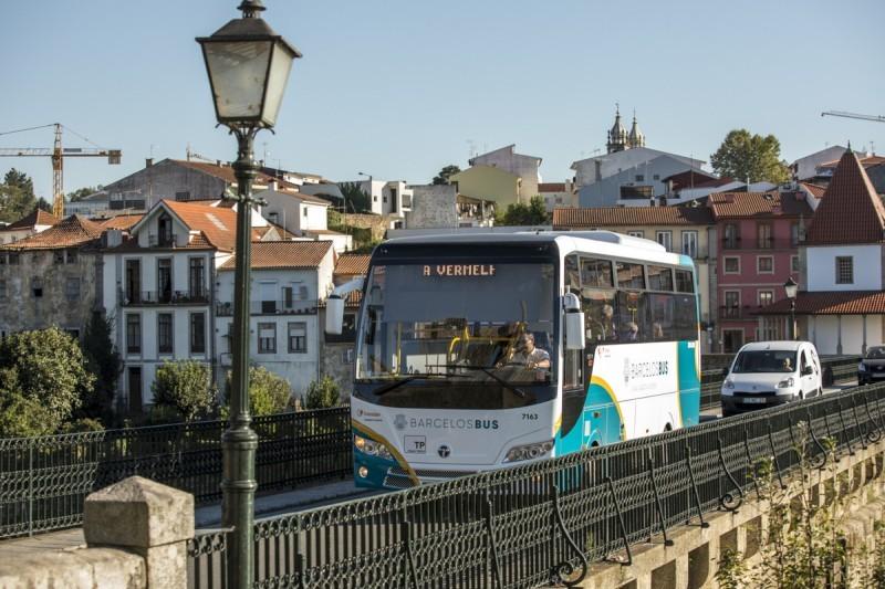 Barcelenses já podem comprar bilhetes nos autocarros