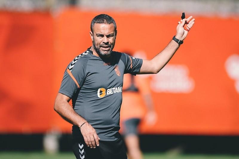 Artur Jorge será treinador do Sporting Clube de Braga até António Salvador entender