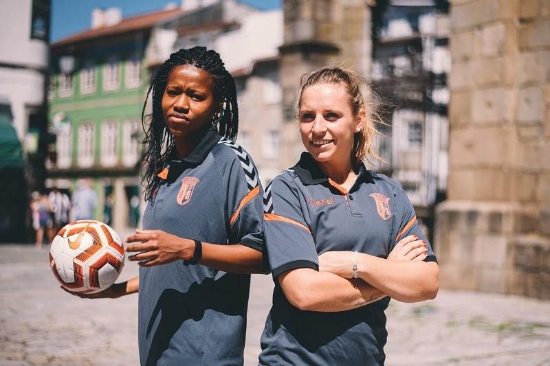 Cindy König e Jermaine Seoposenwe reforçam futebol feminino do Sporting Clube de Braga