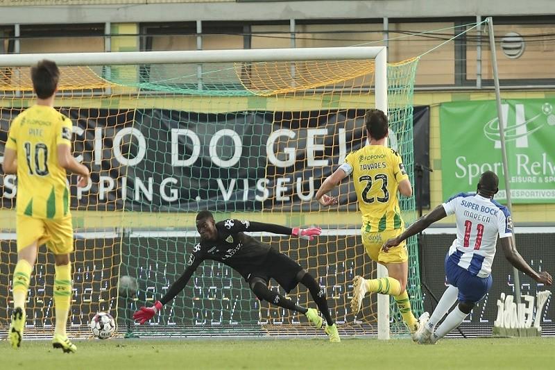 FC Porto vence em Tondela e está mais perto do título