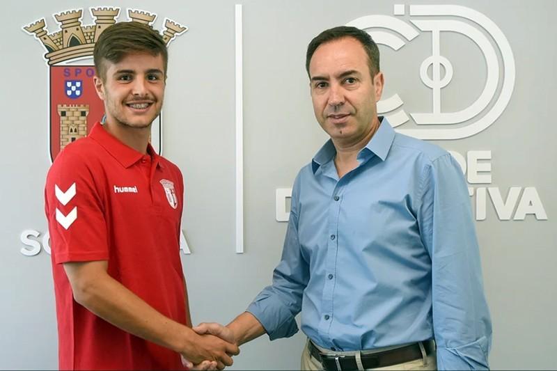 Pedro Martins cumpre sonho ao assinar contrato profissional com o SC Braga