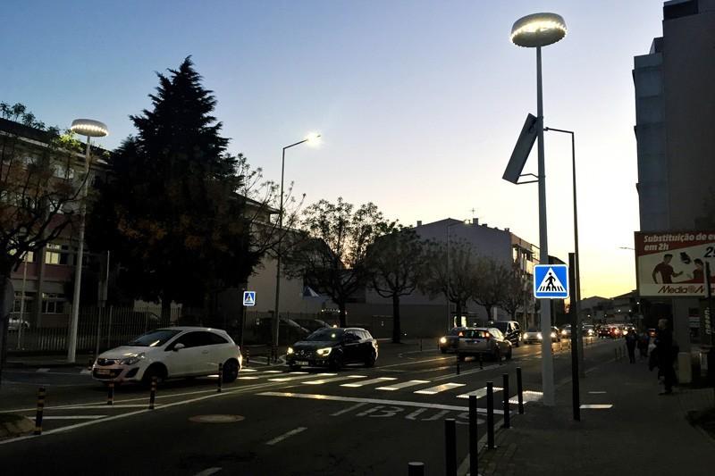 Luminárias inteligentes já estão instaladas na zona do Pachancho