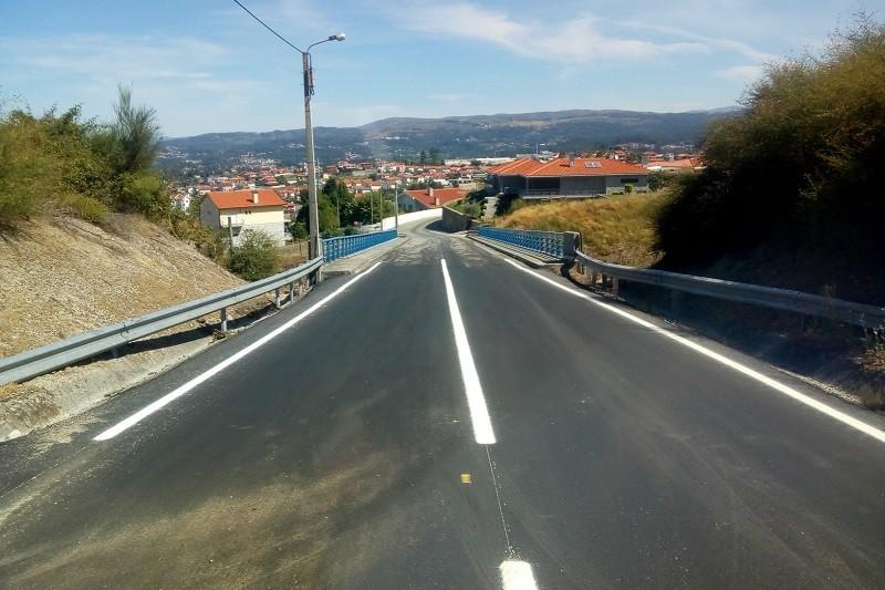 FAFE: Autarquia requalifica caminho municipal na freguesia de Quinchães