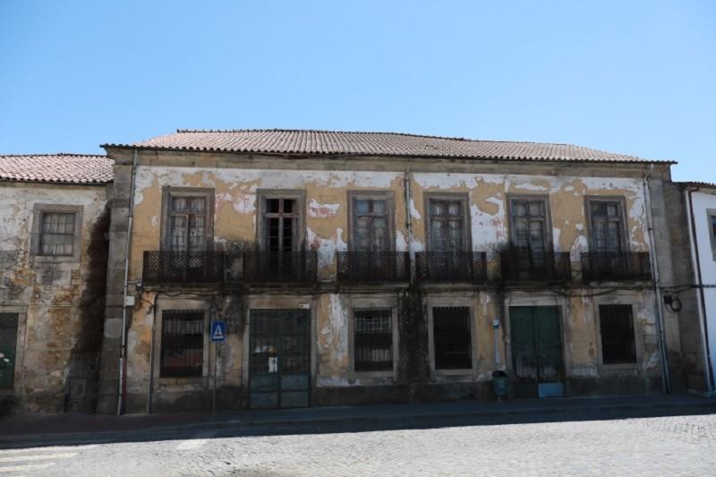 Barcelos lança concurso públicos de 4ME para reabilitar escola e edifício histórico