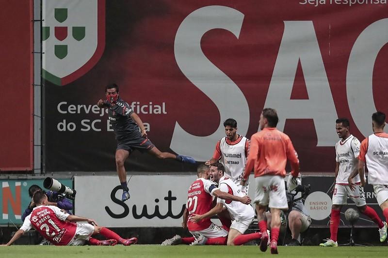 Braga 'vira' resultado com FC Porto e é terceiro na I Liga