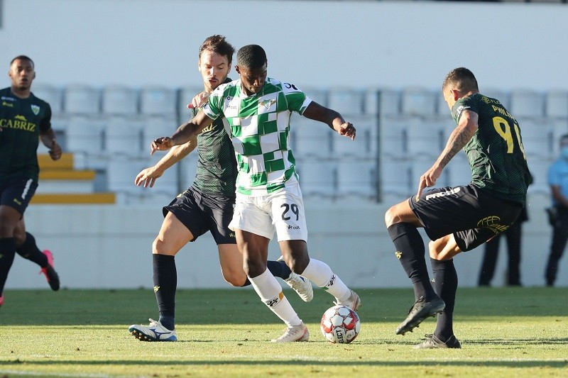 Tondela de primeira vence Moreirense na marca de penálti
