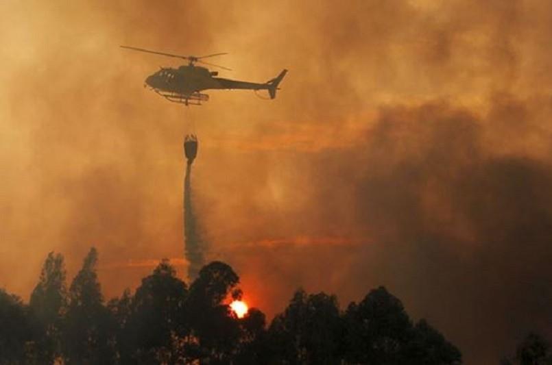 Fogo em Mondim de Basto começa a ceder numa das duas frentes  Proteção Civi