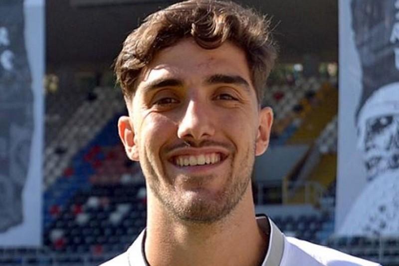 Defesa Jorge Fernandes regressa a Portugal para jogar no Vitória de Guimarães