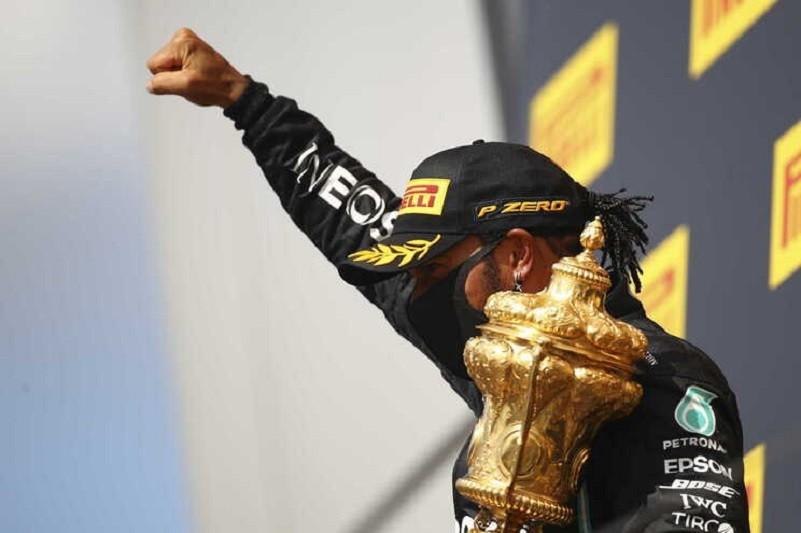 Lewis Hamilton vence pela sétima vez em Silverstone e alarga vantagem no Mundial de Fórmula 1