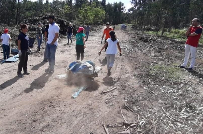 Crianças recolheram 700 quilos de resíduos no monte de Vila Franca